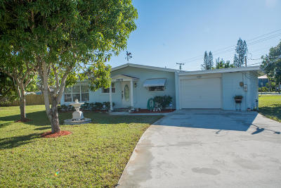 Tequesta Single Family Home For Sale: 19177 SE Hillcrest Drive