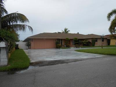 Delray Beach Single Family Home For Sale: 221 Ross Drive