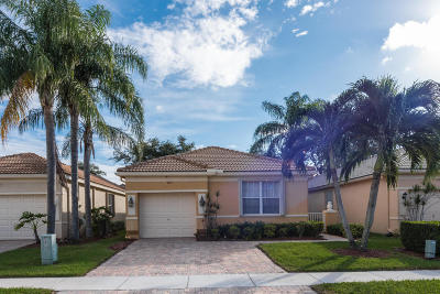 Delray Beach Single Family Home For Sale: 7153 Cataluna Circle