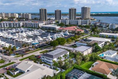 North Palm Beach Condo For Sale: 130 Yacht Club Drive #1