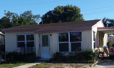Boynton Beach Single Family Home For Sale: 120 Flamingo Drive