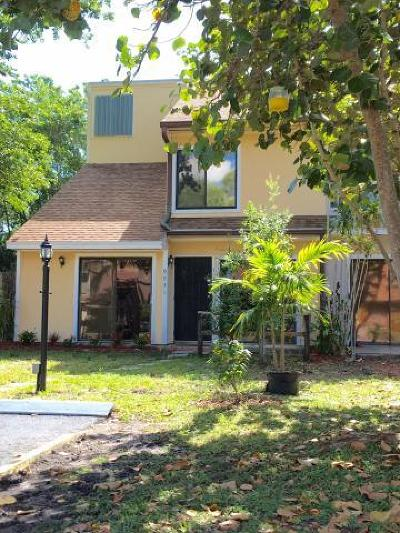 Palm Beach Gardens Townhouse For Sale: 9031 Green Meadows Way