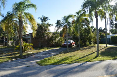 Tequesta Single Family Home For Sale: 331 Country Club Drive