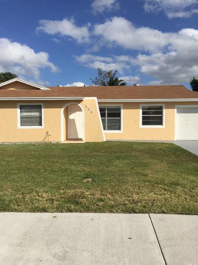 Royal Palm Beach Single Family Home For Sale: 830 Royal Palm Beach Boulevard