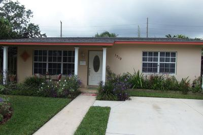 West Palm Beach Single Family Home For Sale: 1319 Longwood Street