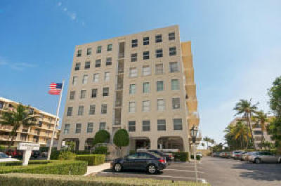 Palm Beach Condo For Sale: 3230 S Ocean Boulevard #A101