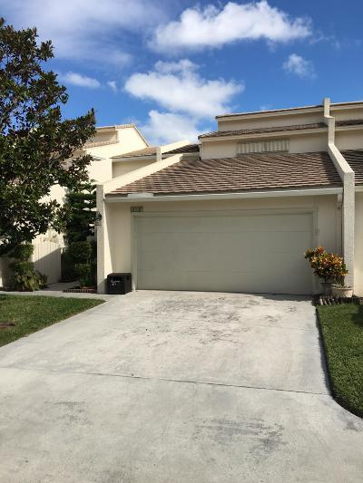 Palm Beach Gardens Townhouse For Sale: 6017 Edgemere Court