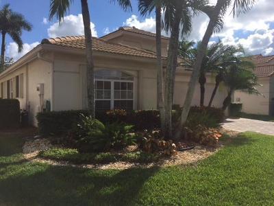 Boynton Beach Single Family Home For Sale: 5712 Royal Club Drive