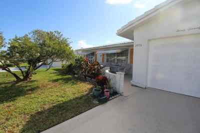 Boynton Beach Single Family Home For Sale: 2076 SW 14th Avenue