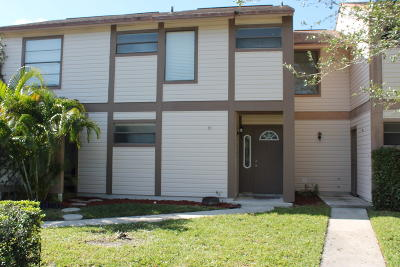 Townhouse For Sale: 120 Sherwood Circle #9c