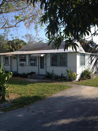 Stuart Single Family Home For Sale: 4649 SE May Avenue