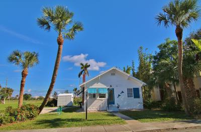Lake Worth Single Family Home For Sale: 230 Lakeside Drive