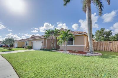 Boynton Beach Single Family Home For Sale: 9293 Cove Point Circle