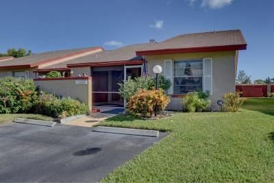 Lake Worth Single Family Home For Sale: 4200 Lucerne Villas Lane