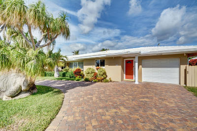 Palm Beach Shores Single Family Home For Sale: 131 Claremont Lane