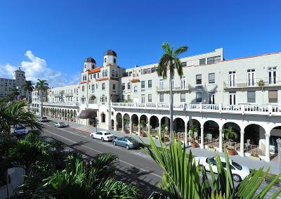 Palm Beach Condo For Sale: 235 Sunrise Avenue #3048