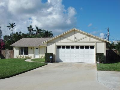 Hobe Sound Single Family Home For Sale: 7612 SE Dove Street