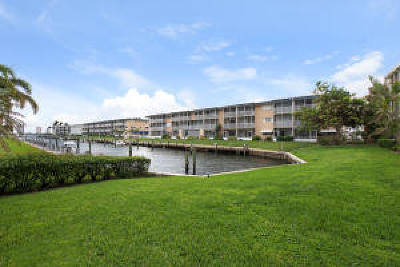 North Palm Beach Condo For Sale: 131 Doolen Court #204