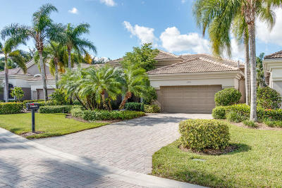 West Palm Beach Single Family Home For Sale: 7441 Blue Heron Way