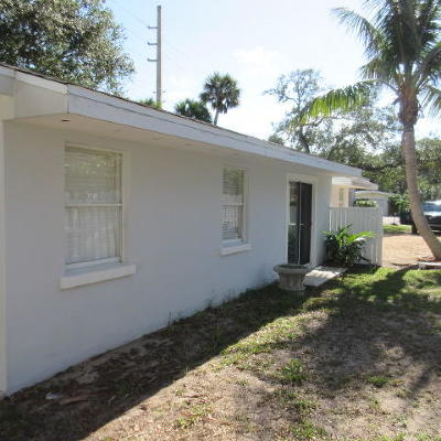 Vero Beach Single Family Home For Sale: 635 Holly Road