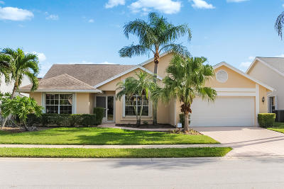 Jupiter Single Family Home For Sale: 237 Moccasin Trail W