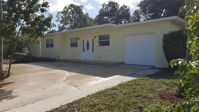 Delray Beach Single Family Home For Sale: 574 Angler Drive