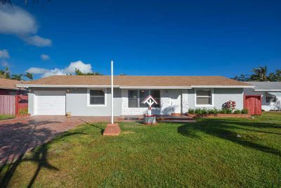 Lake Worth Single Family Home For Sale: 1071 Oleander Road