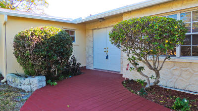 West Palm Beach Single Family Home For Sale: 135 Robbins Drive