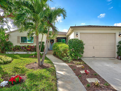 Lake Worth Single Family Home For Sale: 151 Harvard Drive