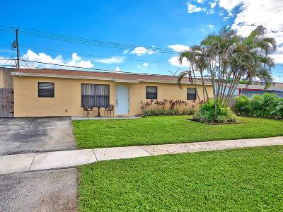 Palm Beach Gardens Single Family Home Contingent: 9324 Birmingham Drive