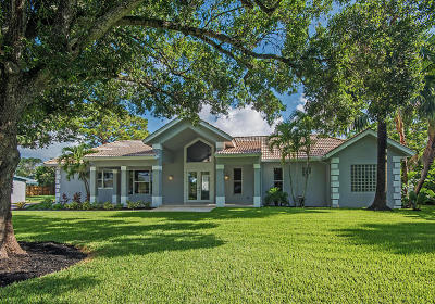 Palm Beach Gardens Single Family Home For Sale: 2377 Country Oaks Lane