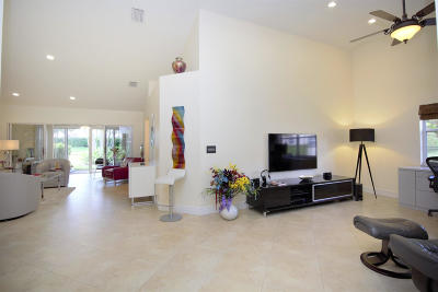 Delray Beach Single Family Home For Sale: 7945 Sandy Pointe Drive