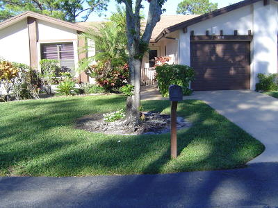 Lake Worth Single Family Home For Sale: 6101 Elsinore Circle
