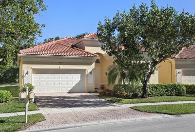 Delray Beach Single Family Home For Sale: 7035 Demedici Circle