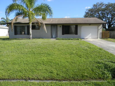 Port Saint Lucie Single Family Home For Sale: 525 NW Cardinal Drive W