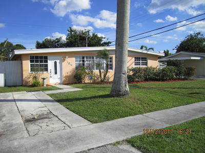 Royal Palm Beach Single Family Home For Sale: 786 Camellia Drive
