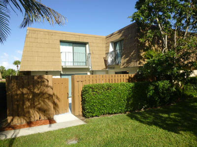 Stuart Rental : 6167 SE Riverboat Drive #1020