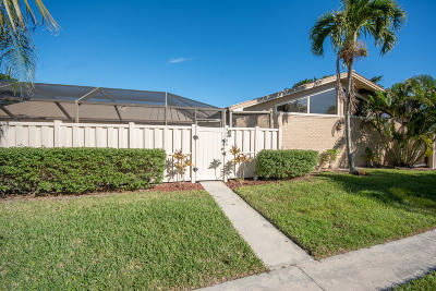 Palm Beach Gardens Townhouse For Sale: 5665 Golden Eagle Circle #5665