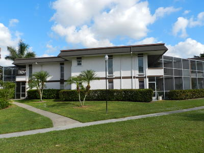 Royal Palm Beach Condo For Sale: 3 Greenway #206