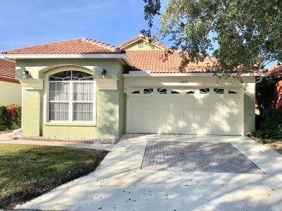 Riviera Beach Single Family Home For Sale: 2091 Bonisle Circle