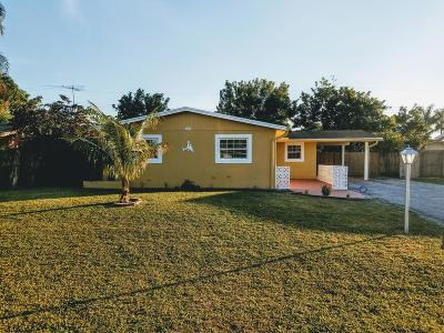 West Palm Beach Single Family Home For Sale: 5622 Middlecoff Drive