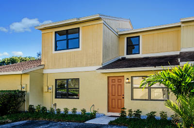 Delray Beach Townhouse For Sale: 16385 Water Way