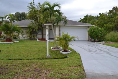 Port Saint Lucie Single Family Home For Sale: 2410 SE Warwick Street
