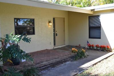 Stuart Single Family Home For Sale: 211 SW Winnachee Drive