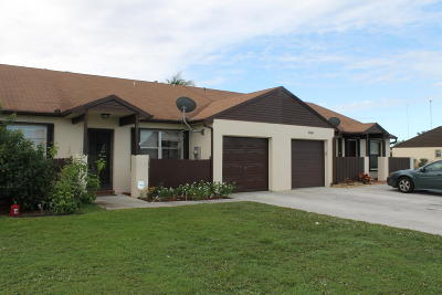 Lake Worth Single Family Home For Sale: 8484 Lake Point Court