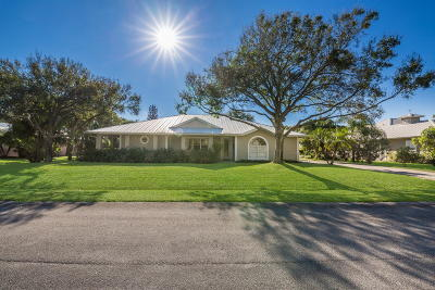 Hobe Sound Single Family Home For Sale: 8546 SE Wilkes Place