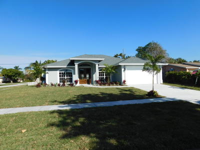 North Palm Beach Single Family Home For Sale: 437 Ebbtide Drive