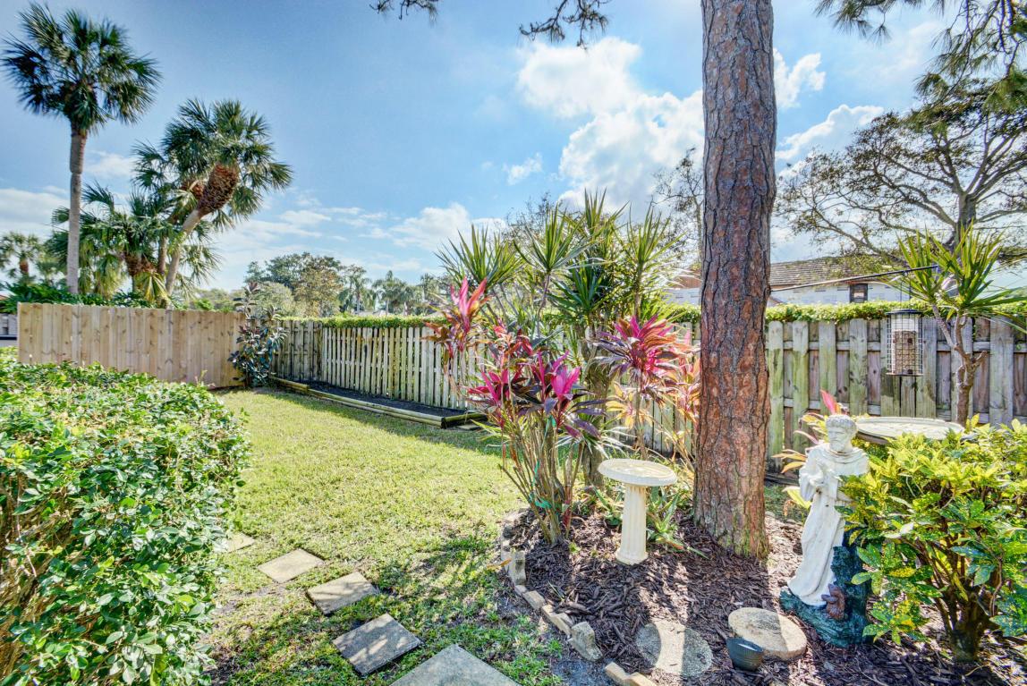 Listing: 12871 La Rochelle Circle, Palm Beach Gardens, FL.| MLS# RX ...