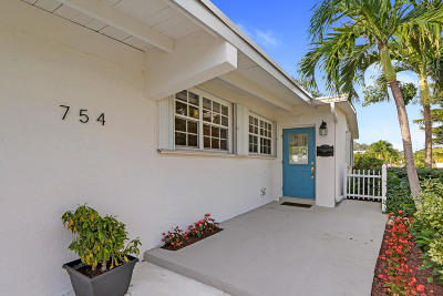 North Palm Beach Single Family Home Contingent: 754 Eagle Way