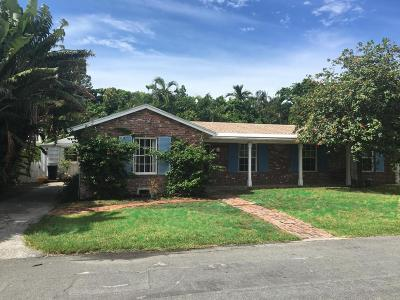 Palm Beach Single Family Home For Sale: 215 Colonial Lane